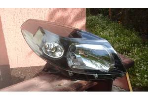 Фары Renault Sandero