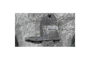Кронштейн крепления кпп для Audi A6 (C5) 1997-2004 б/у