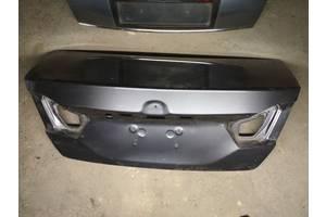 б/у Крышки багажника Toyota