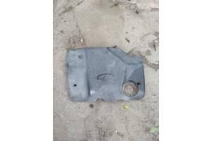 Кришка двигателя на ВАЗ-2110-15