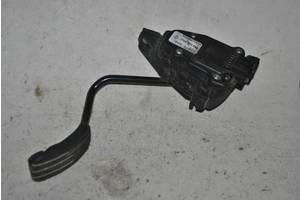 педалі газу Renault Kangoo