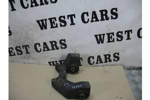 Б/У Подушка переднього редуктора 2.0 бензин Grand Vitara 2005 - 2012 2763066J32. Вперед за покупками!