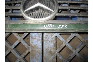 грати радіатора Mercedes Vito