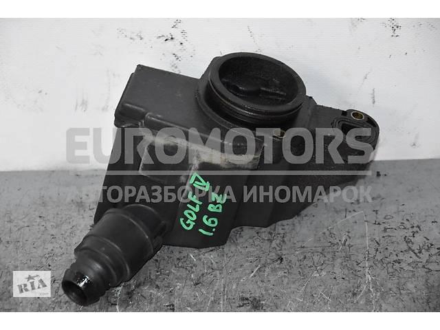 купить бу Сапун сепаратор системы вентиляции картерных газов VW Golf 1.6 16V (IV) 1997-2003 036103464G в Киеве
