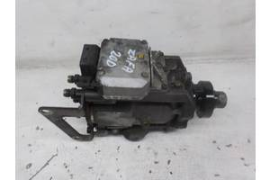 б/у Топливные насосы высокого давления/трубки/шестерни Opel Zafira