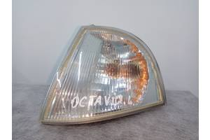 б/у Поворотники/повторители поворота Skoda Octavia Tour