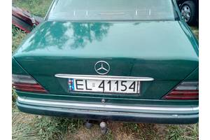 Уплотнители крышки багажника Mercedes E-Class
