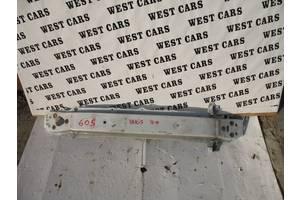 б/у Усилители заднего/переднего бампера Toyota Yaris