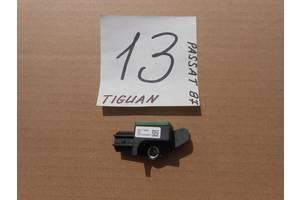 б/в датчики удару Volkswagen Passat B7