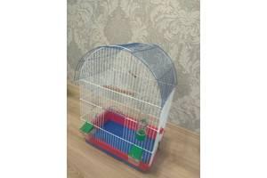 Клітка для попугая майже нова жив тільки 1 попугай