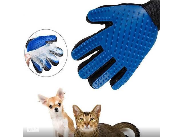 купить бу Перчатка для вычесывания шерсти с домашних животных True Touch  в Украине