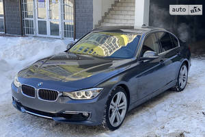 BMW 335 Luxury  2013