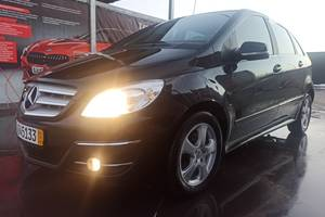 Mercedes-Benz B 180 Sports Tourer 2011
