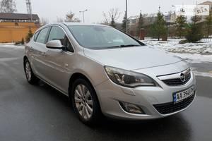 Opel Astra J Turbo 2011