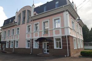 Куплю офісну будівлю Рівненської області