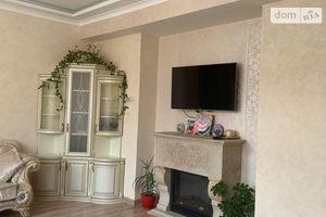 Сниму трехкомнатную квартиру на Старом городе Винница долгосрочно