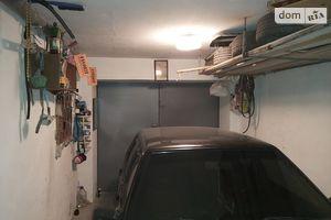 Продается бокс в гаражном комплексе под легковое авто на 30 кв. м