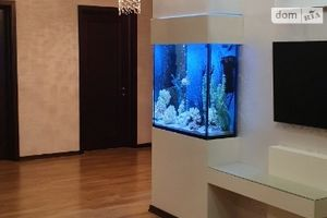 Продается 3-комнатная квартира 81 кв. м в Ивано-Франковске