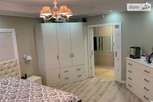 Продается 2-комнатная квартира 72 кв. м в Черкассах