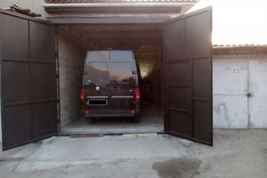 Продается место в гаражном кооперативе под бус на 28 кв. м