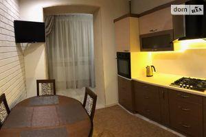 Сдается в аренду 1-комнатная квартира 40 кв. м в Ивано-Франковске