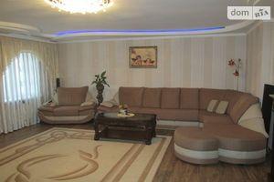 Продается 3-комнатная квартира 131 кв. м в Александрии