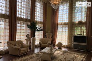 Продается дом на 3 этажа 600 кв. м с балконом