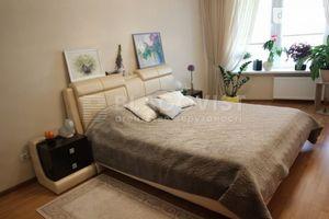 Продается 2-комнатная квартира 81.7 кв. м в Киеве