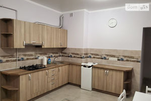 Продается 2-комнатная квартира 79 кв. м в Ужгороде