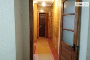 Продається 3-кімнатна квартира 58 кв. м у Новоукраїнці