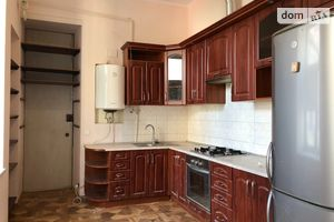 Продается 4-комнатная квартира 98 кв. м в Киеве