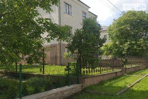 Продается дом на 3 этажа 250 кв. м с участком