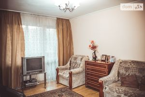 Продается 4-комнатная квартира 73 кв. м в Житомире