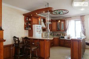 Продается 4-комнатная квартира 154 кв. м в Тернополе