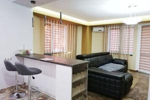 Сдается в аренду 2-комнатная квартира 81.3 кв. м в Ровно
