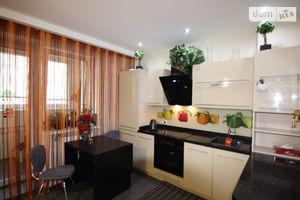 Продається 2-кімнатна квартира 74 кв. м у Дніпрі
