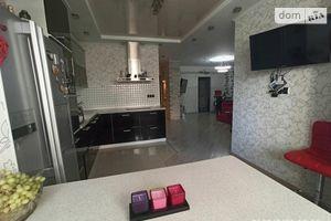 Продається 2-кімнатна квартира 67.33 кв. м у Києві
