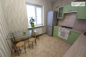 Продается 2-комнатная квартира 56.7 кв. м в Чернигове