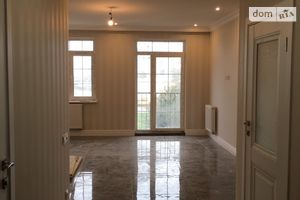 Продається 2-кімнатна квартира 59.5 кв. м у Луцьку