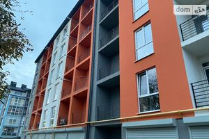 Продается 1-комнатная квартира 46 кв. м в Черновцах
