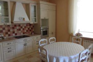Продается 3-комнатная квартира 169 кв. м в Одессе