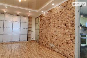 Продається 3-кімнатна квартира 82 кв. м у Києво-Святошинську