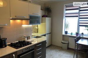 Продається 2-кімнатна квартира 63.8 кв. м у Львові