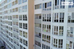 Продается 5-комнатная квартира 157.6 кв. м в Чернигове