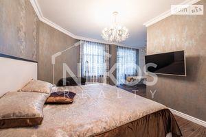 Продается 4-комнатная квартира 180 кв. м в Киеве