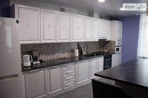 Продается 3-комнатная квартира 80.1 кв. м в Тернополе