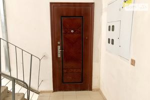 Продається 3-кімнатна квартира 60 кв. м у Гнивані