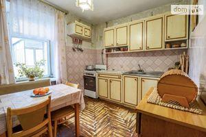 Продается 4-комнатная квартира 74 кв. м в Львове