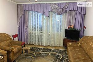 Продается 4-комнатная квартира 86 кв. м в Черновцах