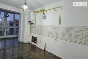 Продается 3-комнатная квартира 82 кв. м в Черновцах